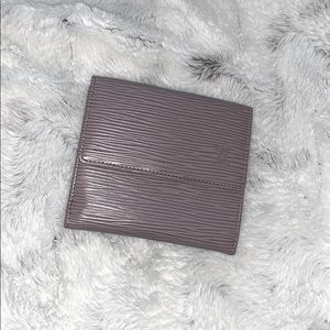 2️⃣5️⃣0️⃣ Double flap Louis Vuitton epi wallet